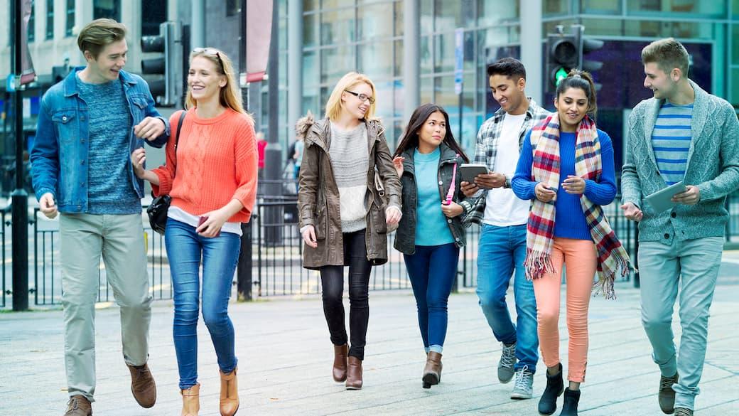 Group-of-people-walking.jpg